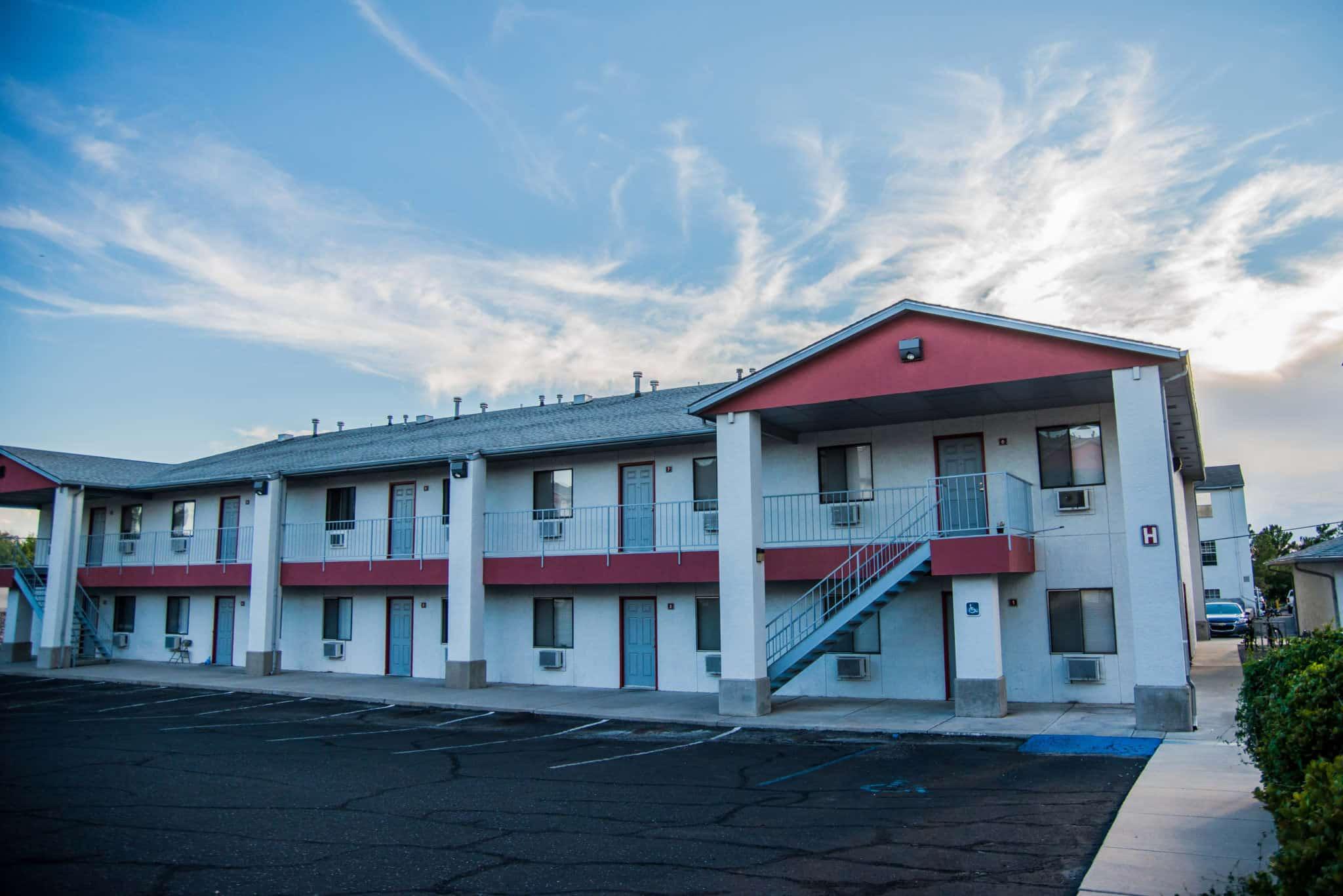 OMNI Apartments Exterior
