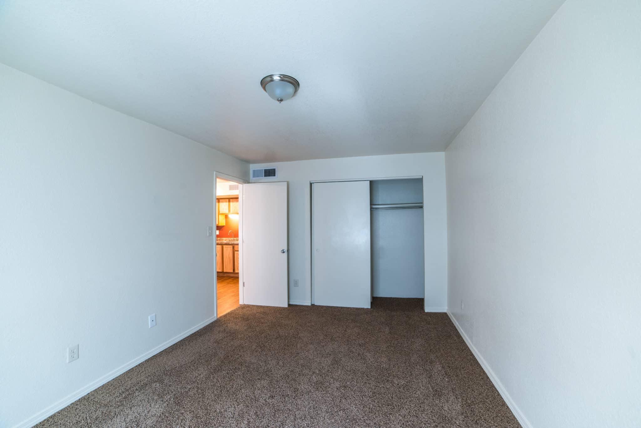 OMNI Apartments Bedroom